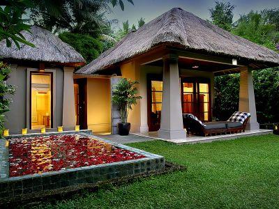 Deluxe-pool-villa-exterior