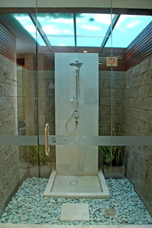 Deluxe Pool Villa Outdoor Rain Shower 1