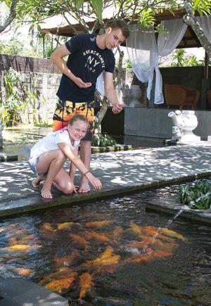 Fish-Feeding-2